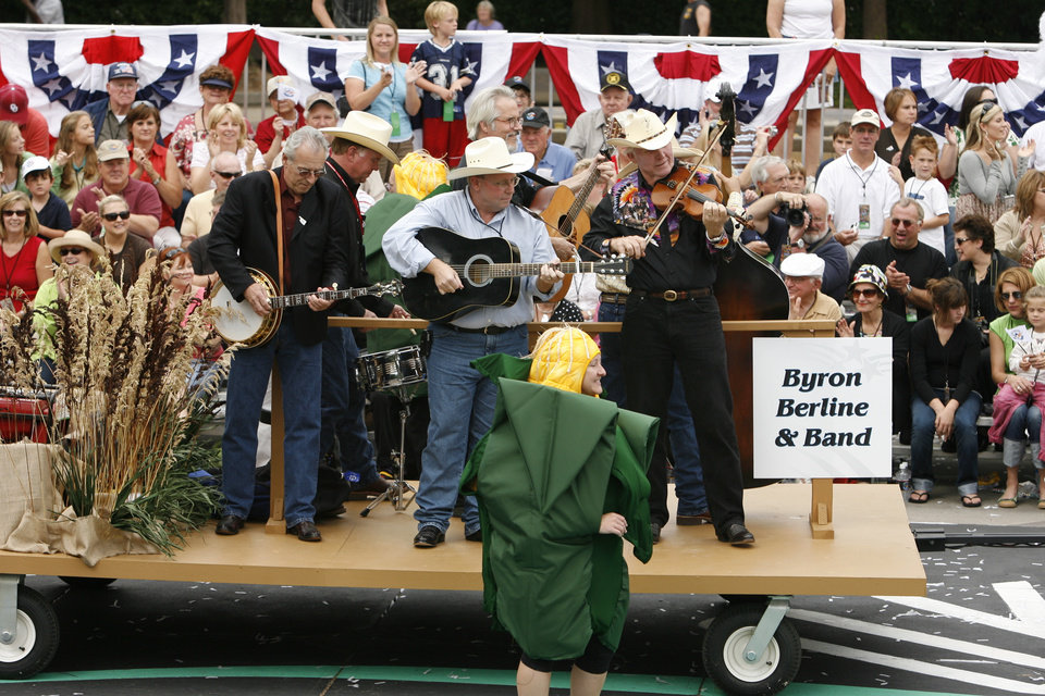 The Byron Berline Band performs in the Oklahoma Centennial Parade on Sunday, Oct. 14, 2007, in Oklahoma City, Okla.  By STEVE SISNEY, The Oklahoman
