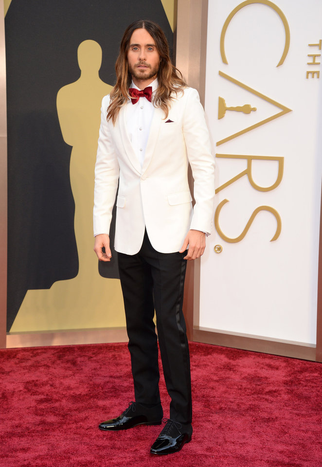 Photo - Jared Leto arrives at the Oscars on Sunday, March 2, 2014, at the Dolby Theatre in Los Angeles. (Photo by Jordan Strauss/Invision/AP)