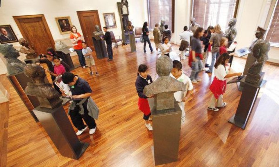 Fourth-grade students from Parmalee Elementary School visit the Gaylord-Pickens Oklahoma Heritage Museum. The students were able to visit the museum through the Free Field Trip program. <strong>David McDaniel - THE OKLAHOMAN</strong>