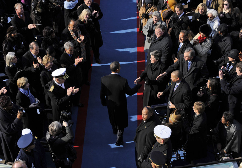 Photo - Barack Obama arrives for his inauguration at the U.S. Capitol in Washington, Tuesday, Jan. 20, 2009.  (AP Photo/Susan Walsh)