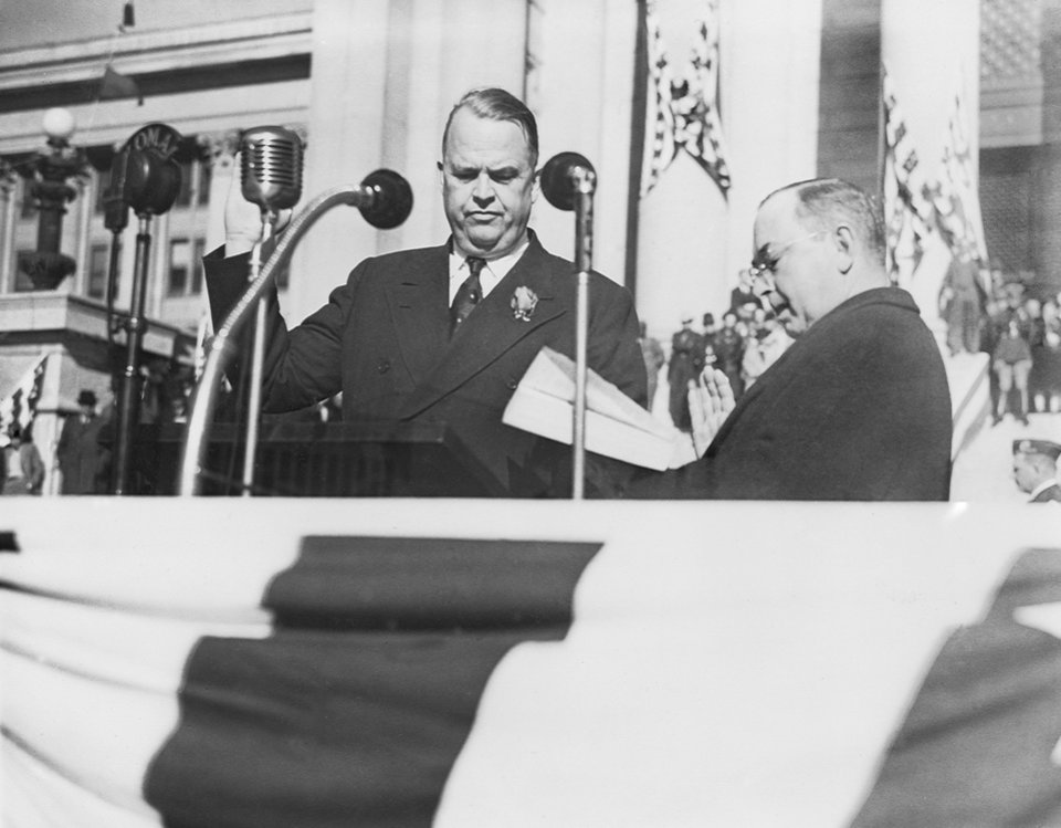 ROBERT S. KERR / OKLAHOMA GOVERNOR / STATE CAPITOL / INAUGURATION / CHIEF JUSTICE EARL WELCH:  No Caption.  Staff photo by C.J. Kaho.  Photo dated 01/12/1943 and unpublished.  (Photo provided by the Carl Albert Center.)