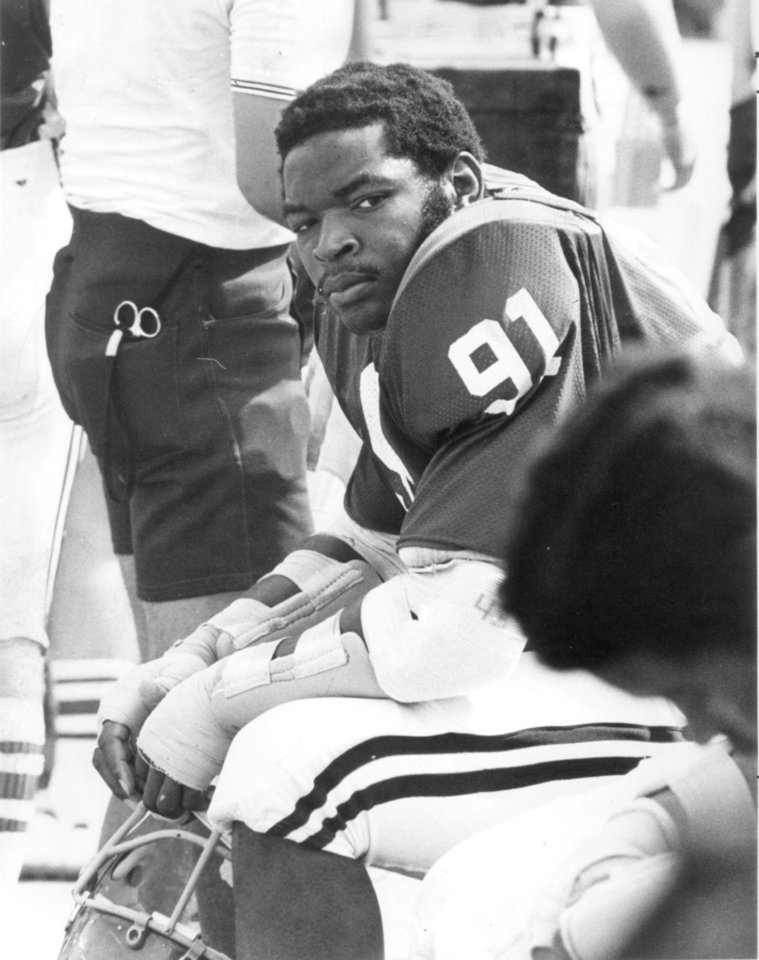 UNIVERSITY OF OKLAHOMA: Dewey Selmon, OU college football player (Original photo ran 09/07/75, 12/28/75)