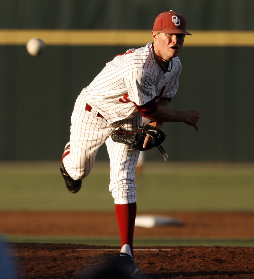 Photo - Chase Anderson pitches as the University of Oklahoma plays Wichita State at L. Dale Mitchell Park in the NCAA Regional baseball tournament in Norman, Okla. on Friday, May 29, 2009. 