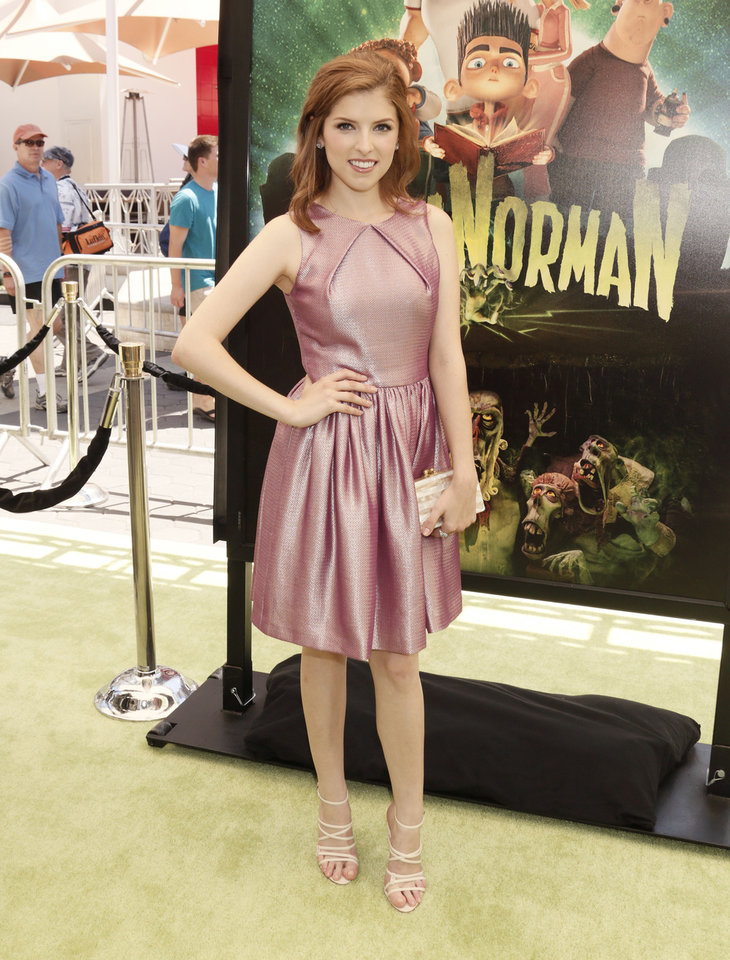 Photo - Anna Kendrick attends the world premiere of