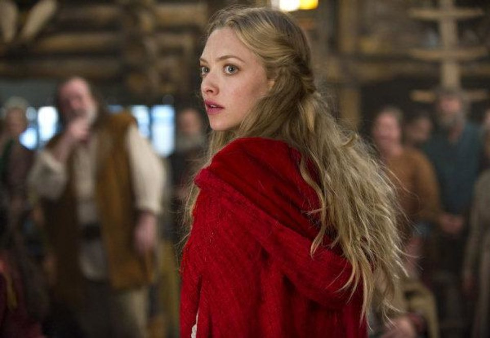 Photo - Amanda Seyfried stars in the fantasy thriller