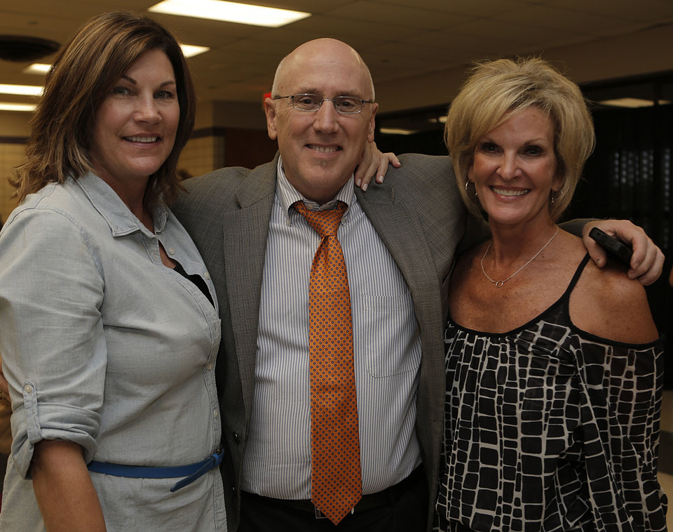 Pat Ball, Rick Buchanan, Melanie Upchurch. PHOTO BY GARETT FISHBECK, THE OKLAHOMAN  <strong>Garett Fisbeck</strong>