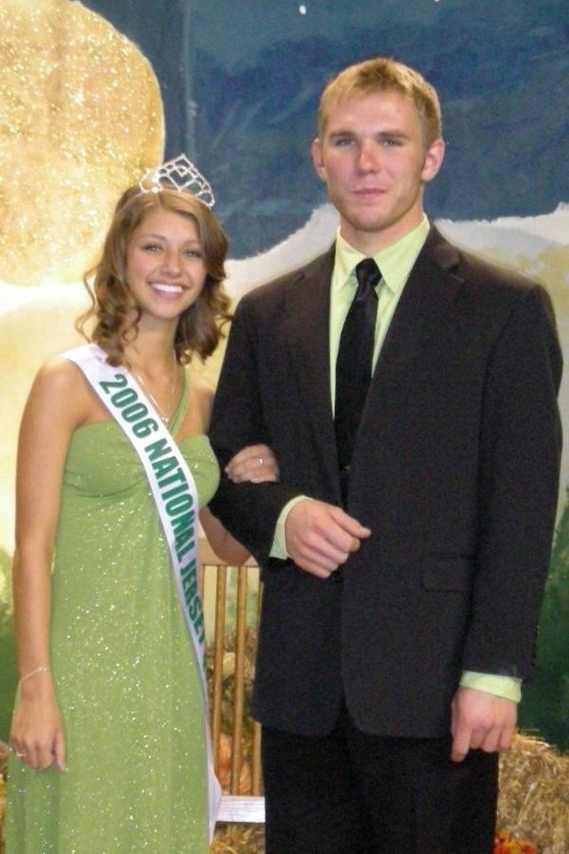 The 2006 National Jersey Queen Betty Thompson is shown here with her escort Brett Barlass of Barlass Jerseys in Janesville, Wisconsin.<br/><b>Community Photo By:</b> Kim Billman<br/><b>Submitted By:</b> Shelley, Oklahoma City