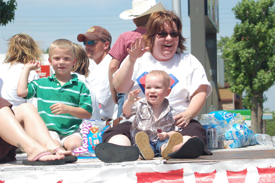 Mitzi and Thomas Aylor in the Chandler Alulmni parade 5/27/2006<br/><b>Community Photo By:</b> Steve Aylor<br/><b>Submitted By:</b> dean, chandler