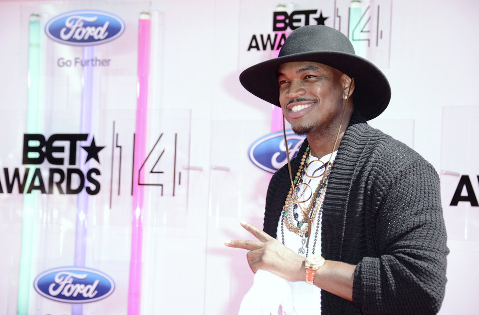 Photo - Ne-Yo arrives at the BET Awards at the Nokia Theatre on Sunday, June 29, 2014, in Los Angeles. (Photo by Dan Steinberg/Invision/AP)