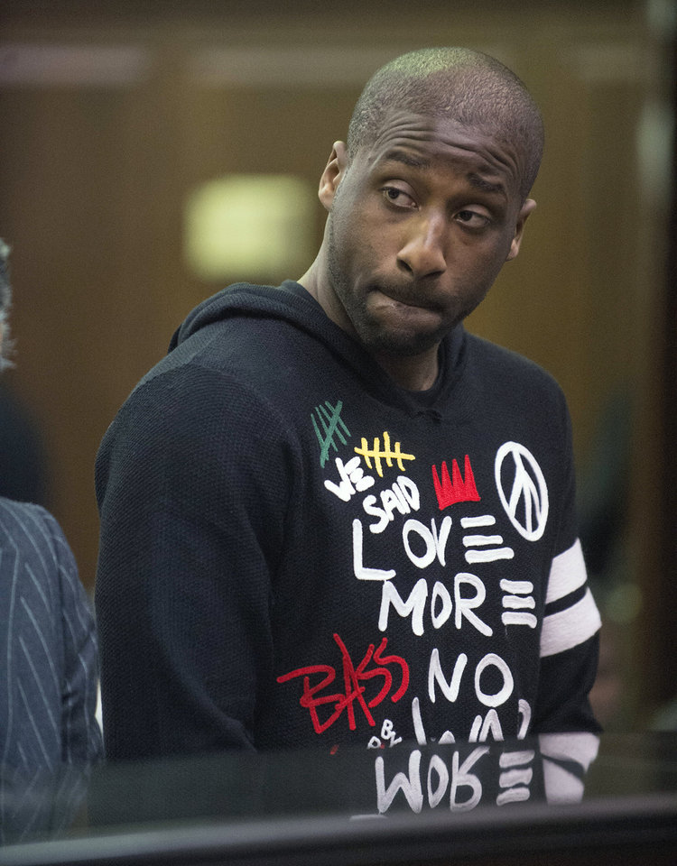 Photo - Raymond Felton appears in criminal court Tuesday, Feb. 25, 2014, in New York. Felton was arrested Tuesday on weapons charges after a lawyer for Felton's wife turned in a loaded gun allegedly belonging to the basketball star, saying she didn't want it in her home, police said. (AP Photo/New York Post, Steven Hirsch, Pool)