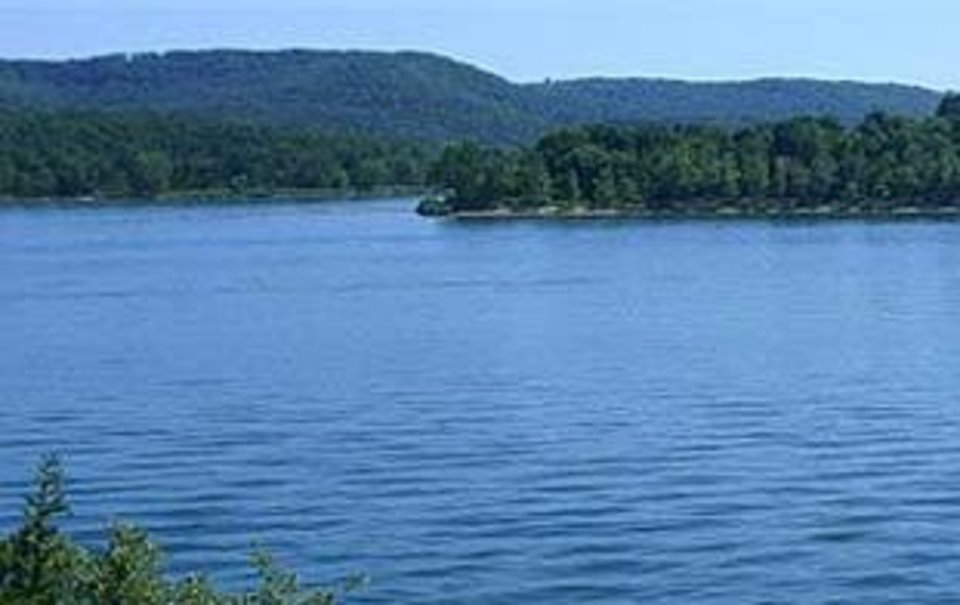 Photo -  Boating and fishing on Table Rock Lake
