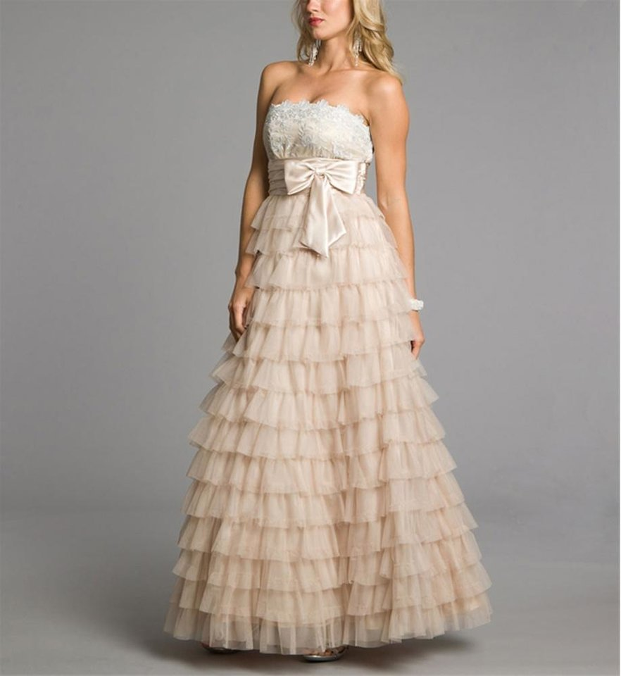 Photo - Betsy-Long blush prom dress from Windsor, $154.90. (Courtesy Windsor.com via Los Angeles Times/MCT)