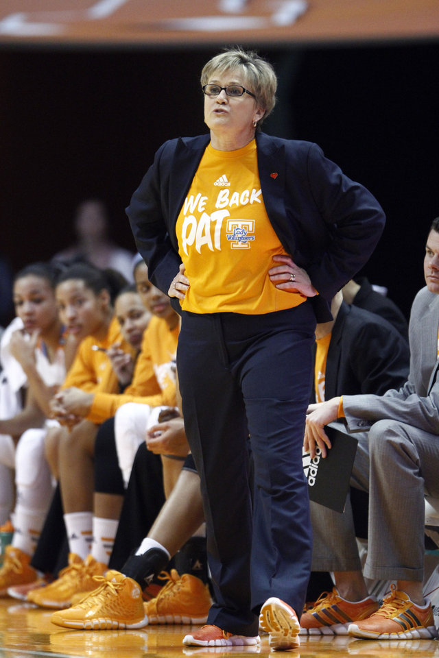 Photo - Tennessee head coach Holly Warlick directs her team in the first half of an NCAA college basketball game against Florida Thursday, Jan. 23, 2014, in Knoxville, Tenn. (AP Photo/Wade Payne)