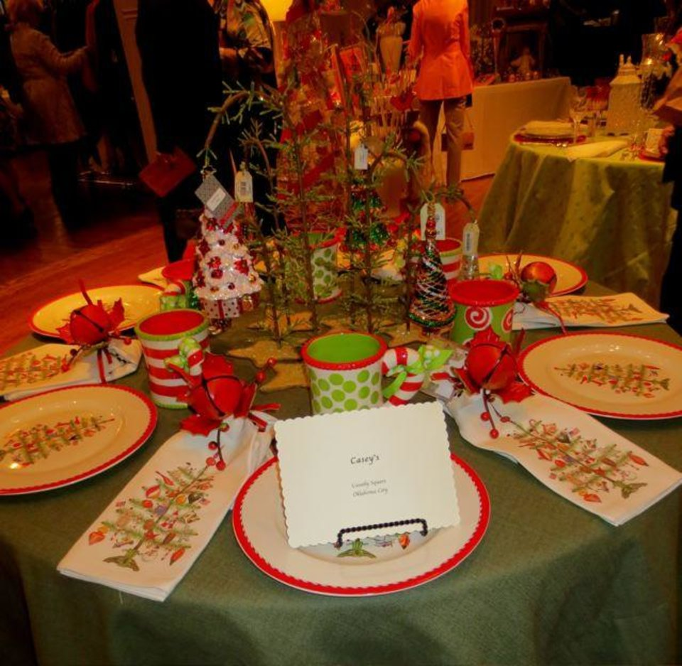 Casey's Table. (Photo by Helen Ford Wallace).