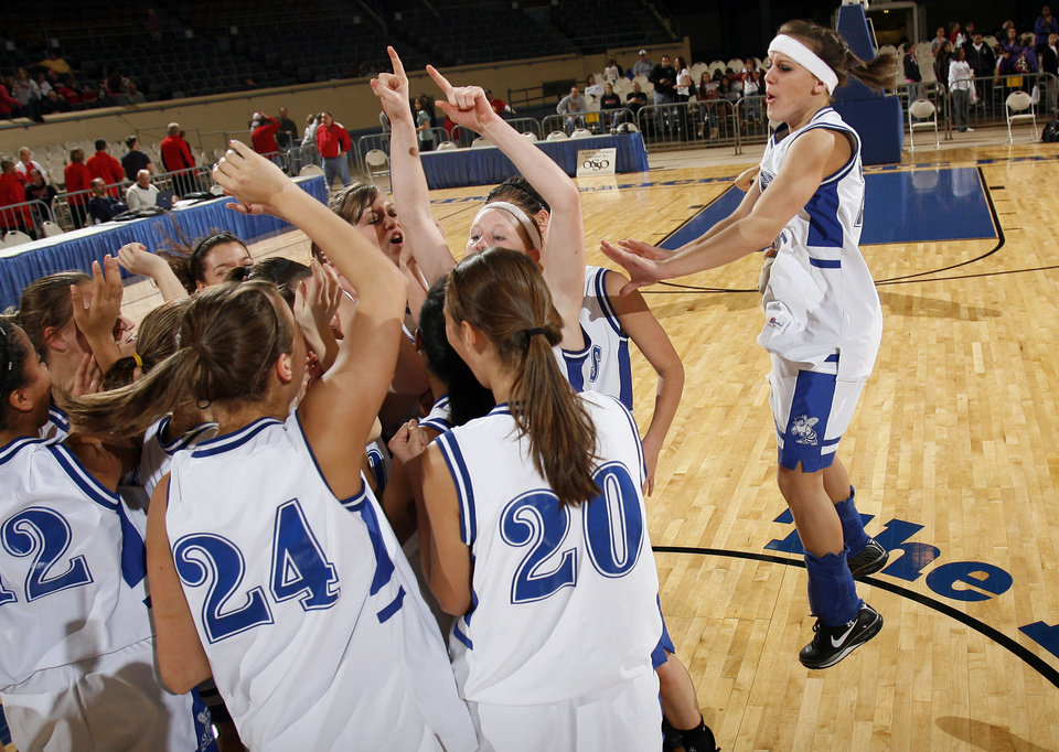 Photo - Vinita players react to their win over Ft. Gibson during girls 4A semifinal at the State Fair Arena, Friday, March 13, 2009, in Oklahoma City. PHOTO BY SARAH PHIPPS, THE OKLAHOMAN