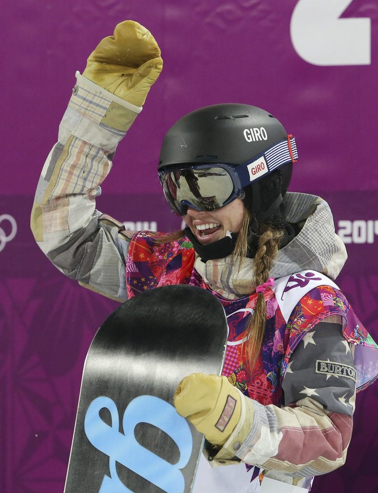 Photo - United States' Kaitlyn Farrington waves after her run during the women's snowboard halfpipe final at the Rosa Khutor Extreme Park, at the 2014 Winter Olympics, Wednesday, Feb. 12, 2014, in Krasnaya Polyana, Russia. (AP Photo/Sergei Grits)