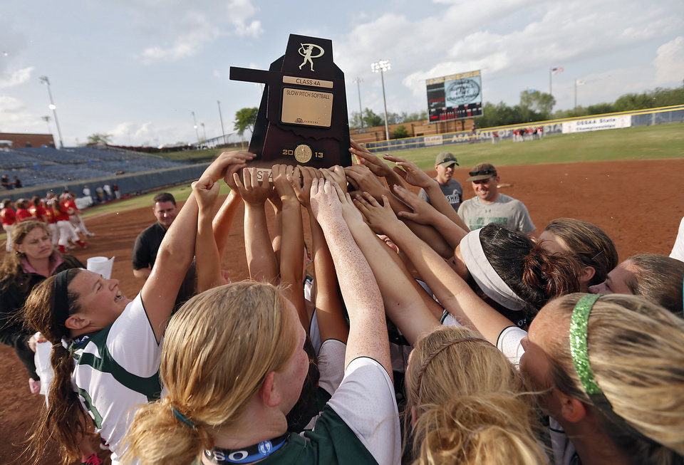 Photo - Tushka celebrates the win over Dale in the Class 4A Oklahoma State High School Slow Pitch Softball Championship at ASA Hall of Fame Stadium in Oklahoma City, Wednesday, May 1, 2013. Photo by Chris Landsberger, The Oklahoman