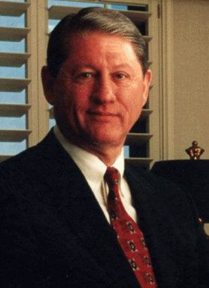 Photo - Richard K.  Davidson, 70, Chesapeake Energy Corp. board of directors member since 2006, up for re-election this year; former CEO and chairman of Union Pacific Corp.