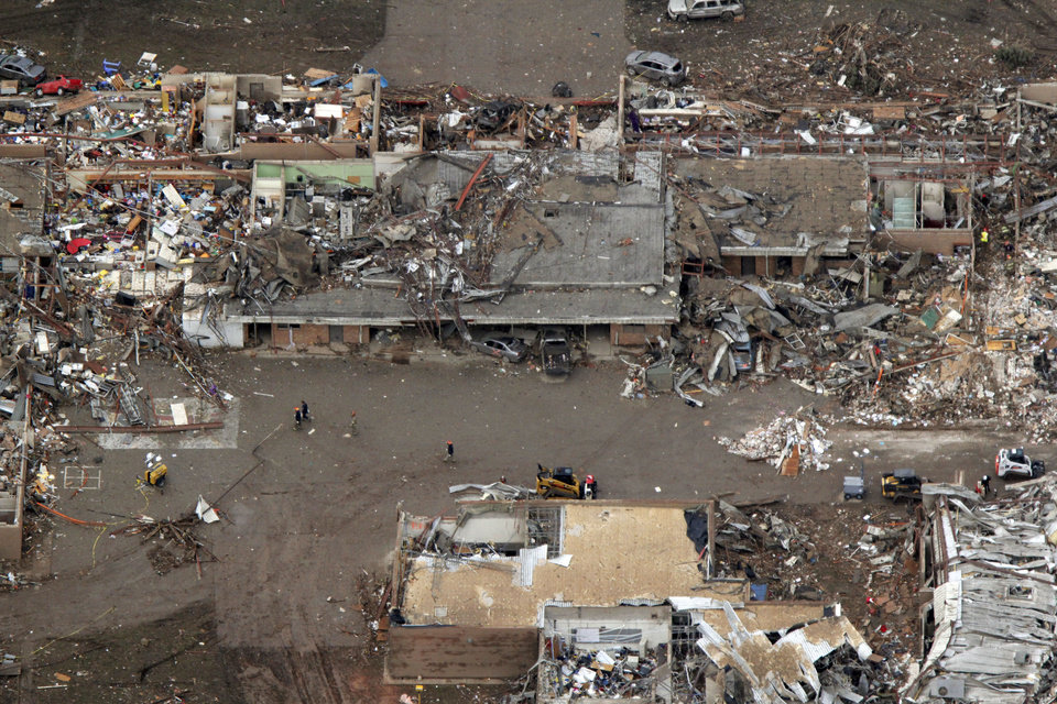 Photo - The Tower Plaza Elementary School was destroyed by the May 20th tornado in Moore, OK, Tuesday, May 21, 2013,  By Paul Hellstern, The Oklahoman