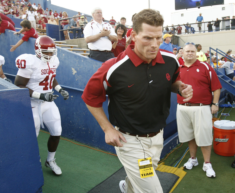 OU defensive coordinator  Brent Venables takes the field for the first half of the college football game between the University of Oklahoma Sooners (OU) and the University of Tulsa Golden Hurricanes (TU) at H.A. Chapman Stadium on Friday, Sept. 21, 2007, in Tulsa, Okla.   By STEVE SISNEY, The Oklahoman