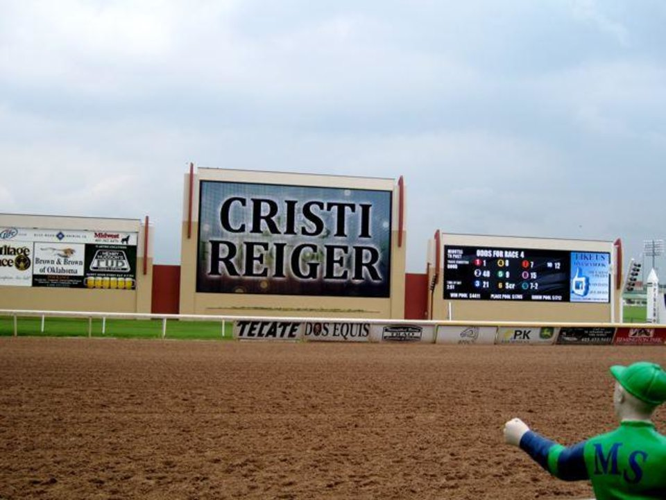 Cristi Reiger was hostess. (Photo by Helen Ford Wallace).