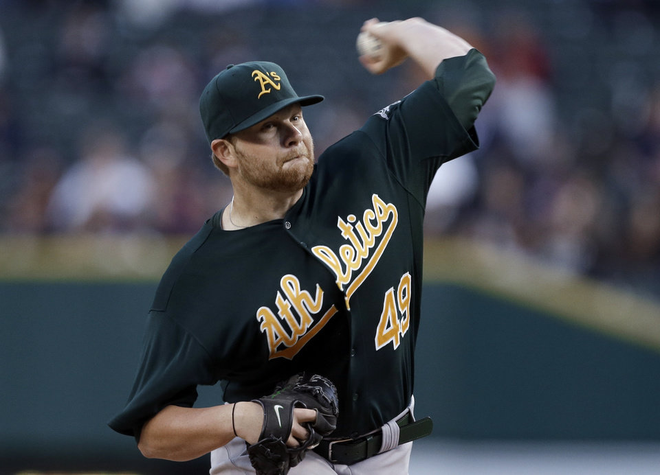 Photo -   Oakland Athletics starting pitcher Brett Anderson throws to a Detroit Tigers batter during the first inning of a baseball game in Detroit, Wednesday, Sept. 19, 2012. (AP Photo/Paul Sancya)