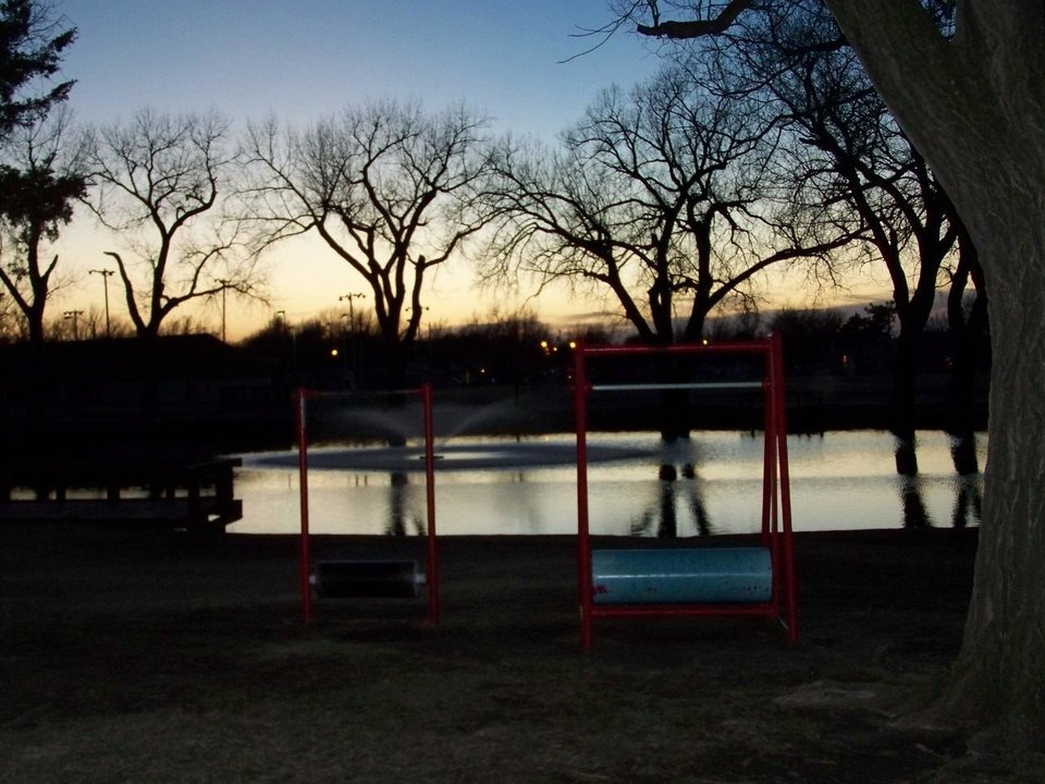 Catching the El reno Legion Park Sprinkler in the foreground of the sunset<br/><b>Community Photo By:</b> Billie (littleman)Leicthweis<br/><b>Submitted By:</b> Billie, el reno