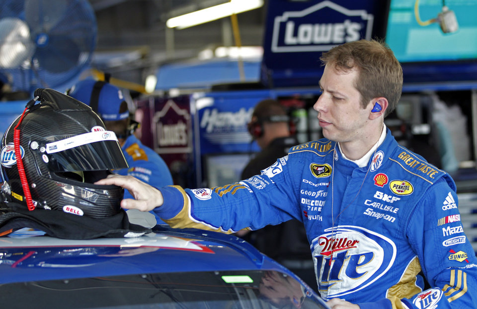 Brad Keselowski prepares for practice for Saturday's NASCAR Sprint Cup Series auto race in Concord, N.C., Thursday, Oct. 11, 2012. (AP Photo/Terry Renna)