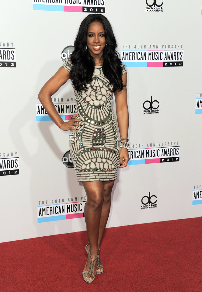 Kelly Rowland arrives at the 40th Anniversary American Music Awards on Sunday, Nov. 18, 2012, in Los Angeles. (Photo by Jordan Strauss/Invision/AP)