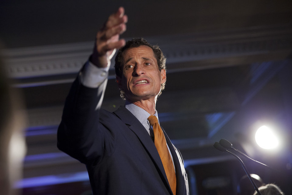 Photo - Democratic mayoral hopeful Anthony Weiner makes his concession speech at Connolly's Pub in midtown Tuesday, September 10, 2013 in New York. Public Advocate Bill de Blasio held a clear lead Tuesday night in New York City's mayoral Democratic primary as polls closed, according to early and incomplete voting returns. (AP Photo/Jin Lee)