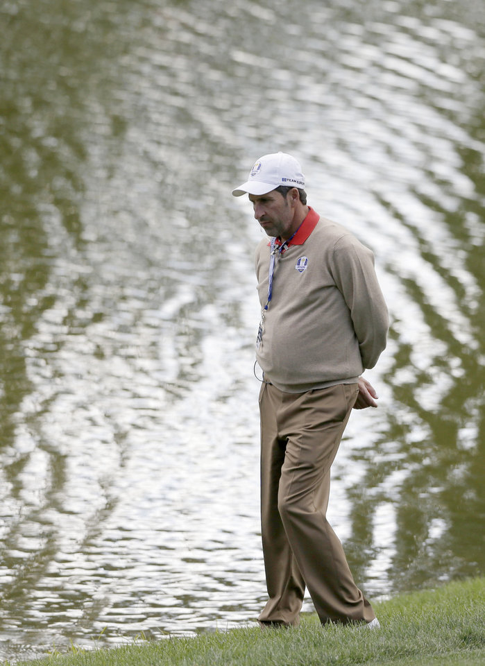 Photo -   European team captain Jose Maria Olazabal is seen on the 12th hole during a practice round at the Ryder Cup PGA golf tournament Thursday, Sept. 27, 2012, at the Medinah Country Club in Medinah, Ill. (AP Photo/Chris Carlson)