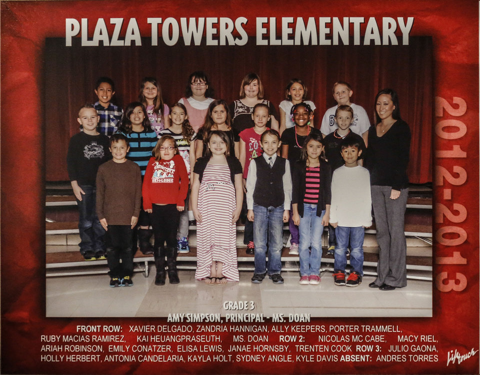 Photo - Jennifer Doan's 3rd-grade class at Plaza Towers Elementary School. Doan lost six of her students in the May 20 Moore tornado that hit the school.  CHRIS LANDSBERGER - The Oklahoman