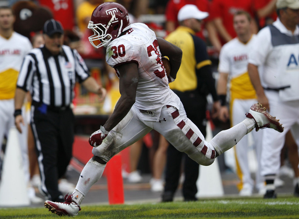 Temple running back Bernard Pierce scores a touchdown in the second half of an NCAA football game against Maryland in College Park, Md., Saturday, Sept. 24, 2011. Pierce set a school record with five rushing touchdowns in Temple\'s 38-7 win. (AP Photo/Patrick Semansky)