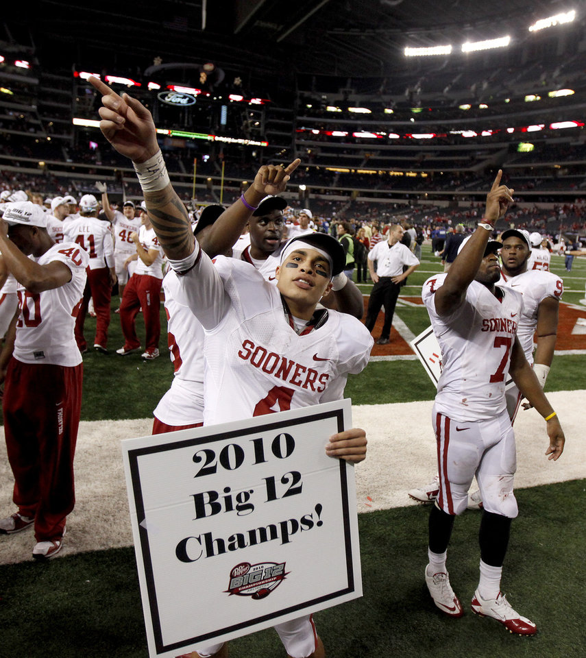 Photo - OU's Kenny Stills celebrates during the Big 12 football championship game between the University of Oklahoma Sooners (OU) and the University of Nebraska Cornhuskers (NU) at Cowboys Stadium on Saturday, Dec. 4, 2010, in Arlington, Texas.  Photo by Bryan Terry, The Oklahoman