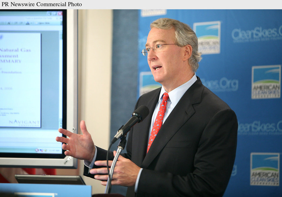 Photo - AUBREY MCCLENDON: National Press Club, Washington, DC - Aubrey K. McClendon, Chairman of the American Clean Skies Foundation and Chairman and CEO of Chesapeake Energy Corporation, today announced a groundbreaking study that shows the U.S. has enough reserves of natural gas to last up to 118 years, more than double the current government estimates.  (PRNewsFoto/American Clean Skies Foundation, Kaye Evans-Lutterodt) ORG XMIT: PRN13