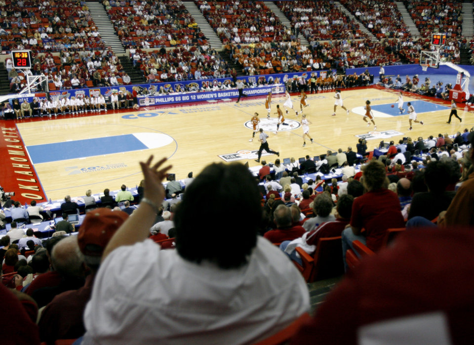 Photo - BIG TWELVE TOURNAMENT, FANS, OVERVIEW: A shot from the stands during the game between the University of Oklahoma and Texas in the Big 12 women's college basketball tournament at Cox Convention Center in Oklahoma City, Wednesday, March 7, 2007. By Matt Strasen, The Oklahoman ORG XMIT: KOD