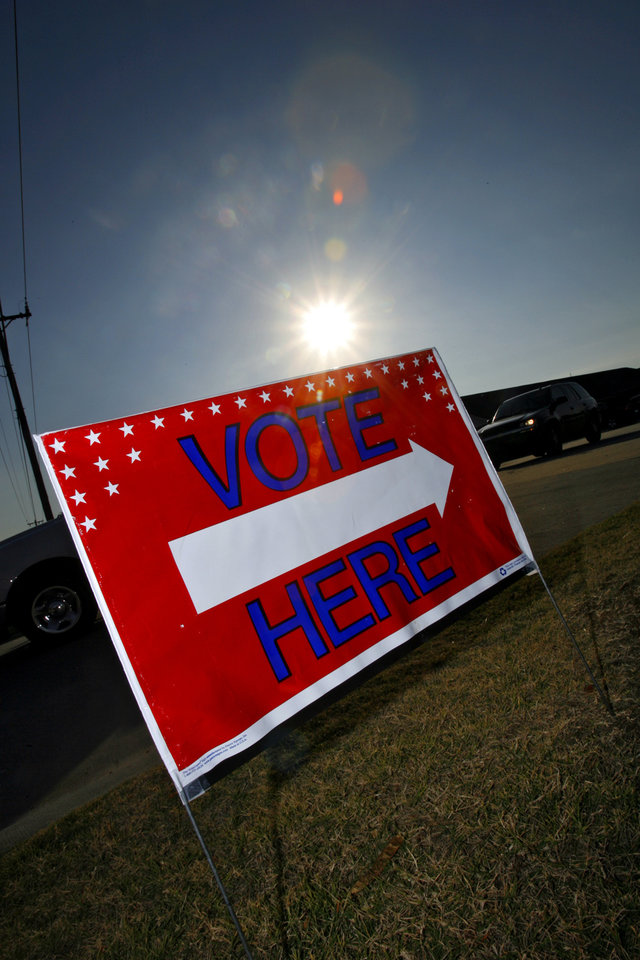 Photo - A voting sign at the Presidential election polling location at Canadian Hills Church of the Nazarene on Tuesday, Nov. 4, 2008, in Yukon, Okla.   BY CHRIS LANDSBERGER, THE OKLAHOMAN