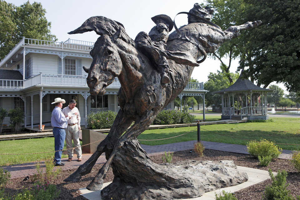 Photo - Shown is a statue of the award-winning rodeo bareback horse Commotion at the National Route 66 Museum Complex in Elk City.   David McDaniel - The Oklahoman