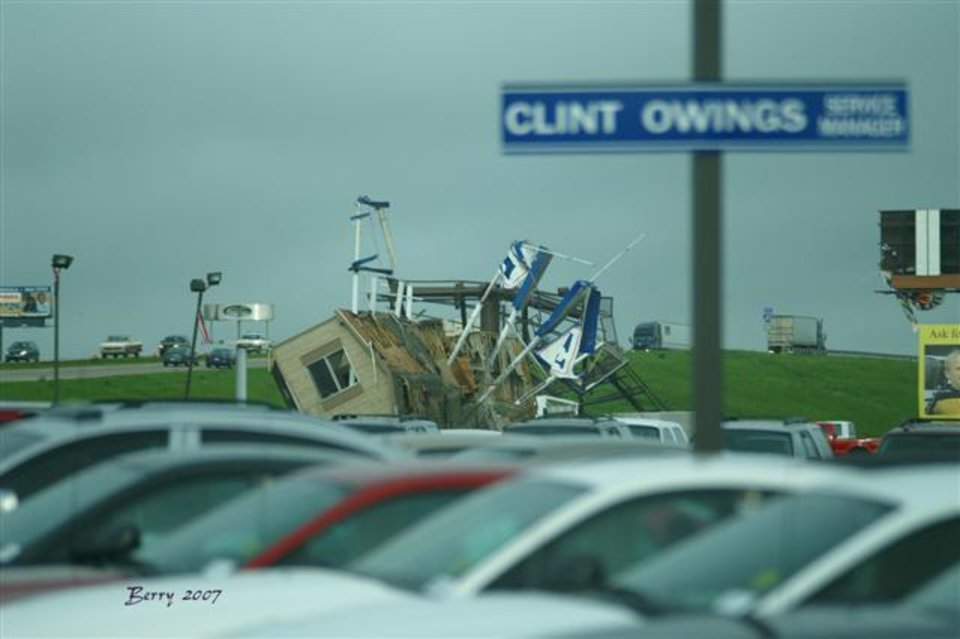 Diffee Truck Center Office rolled on it's side.<br/><b>Community Photo By:</b> Berry J.Yarbrough<br/><b>Submitted By:</b> Berry, Bethany