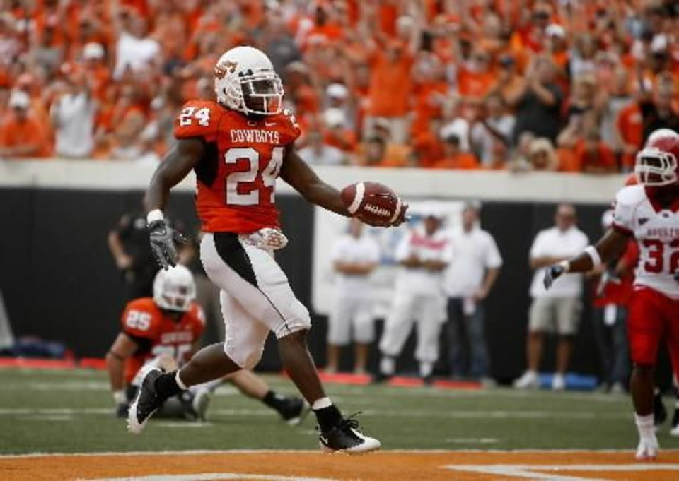 OSU\'s Kendall Hunter scores a touchdown against Houston Sept. 12. Photo by Sarah Phipps