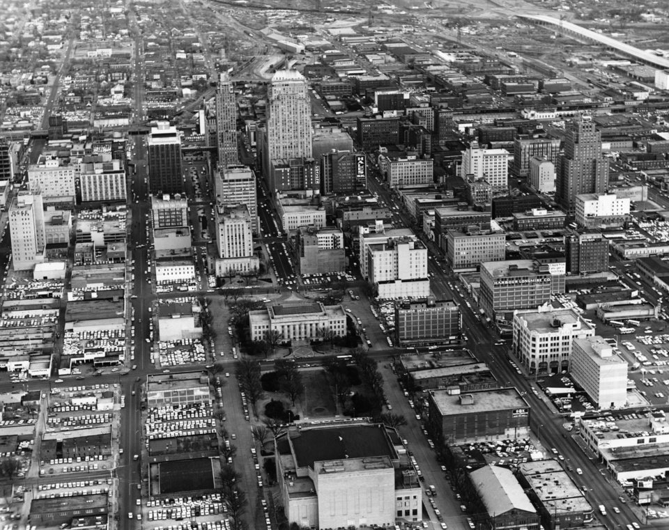 OKLAHOMA CITY / SKY LINE / OKLAHOMA / AERIAL VIEWS / AERIAL PHOTOGRAPHY / AIR VIEWS:  No caption.  Staff photo by Jim Lucas.  Photo dated 01/08/1965 and unpublished.  Photo arrived in library 06/28/1965.