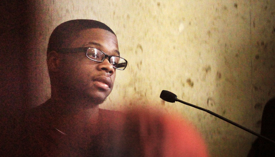 Jevontai Ingram, shown in April 2011, as he testifies at the murder trial of two men he says pressured him to rob a south Oklahoma City pharmacy. <strong>PAUL B. SOUTHERLAND - PAUL B. SOUTHERLAND</strong>