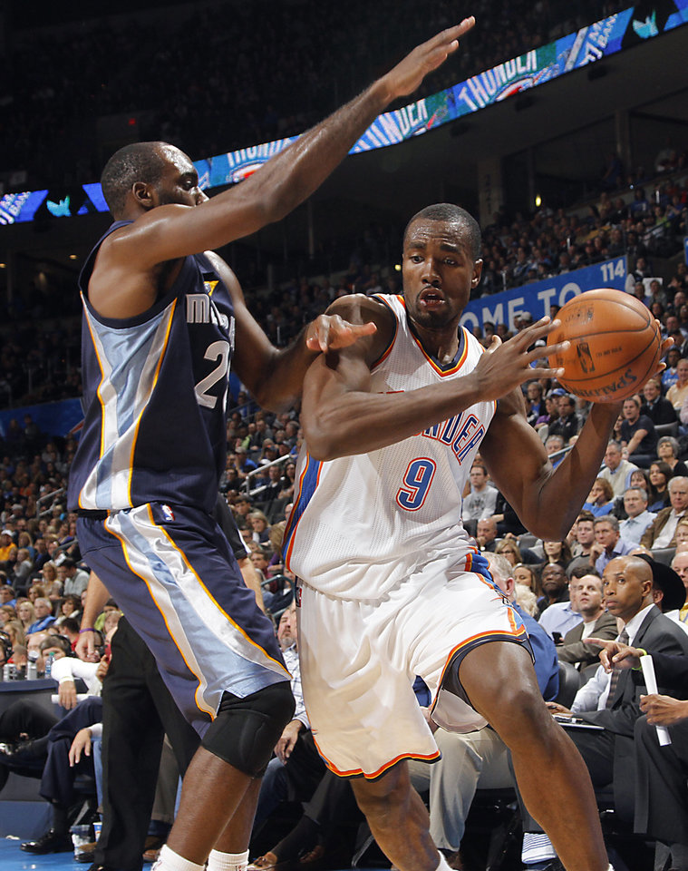Memphis' Quincy Pondexter (20) defends on Oklahoma City's Serge Ibaka (9) during the NBA basketball game between the Oklahoma City Thunder and the Memphis Grizzlies at Chesapeake Energy Arena on Wednesday, Nov. 14, 2012, in Oklahoma City, Okla.   Photo by Chris Landsberger, The Oklahoman