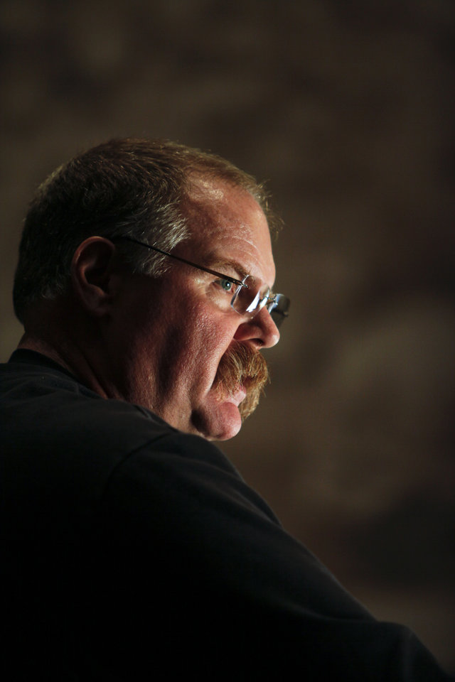 Photo -   Philadelphia Eagles head coach Andy Reid pauses while speaking during a media availability at their NFL football training facility Monday, Nov. 12, 2012 in Philadelphia. The Eagles' 38-23 loss to Dallas on Sunday was their fifth straight, the longest losing streak in Reid's 14 seasons. (AP Photo/ Joseph Kaczmarek)