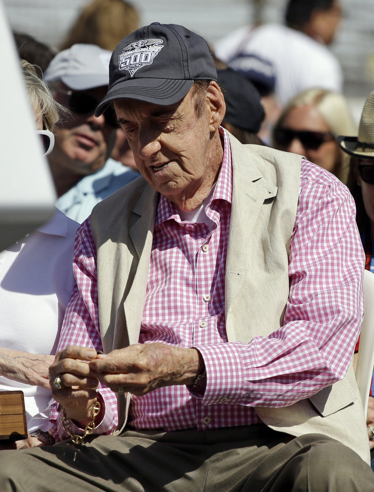 Photo - Jim Nabors, who will sign