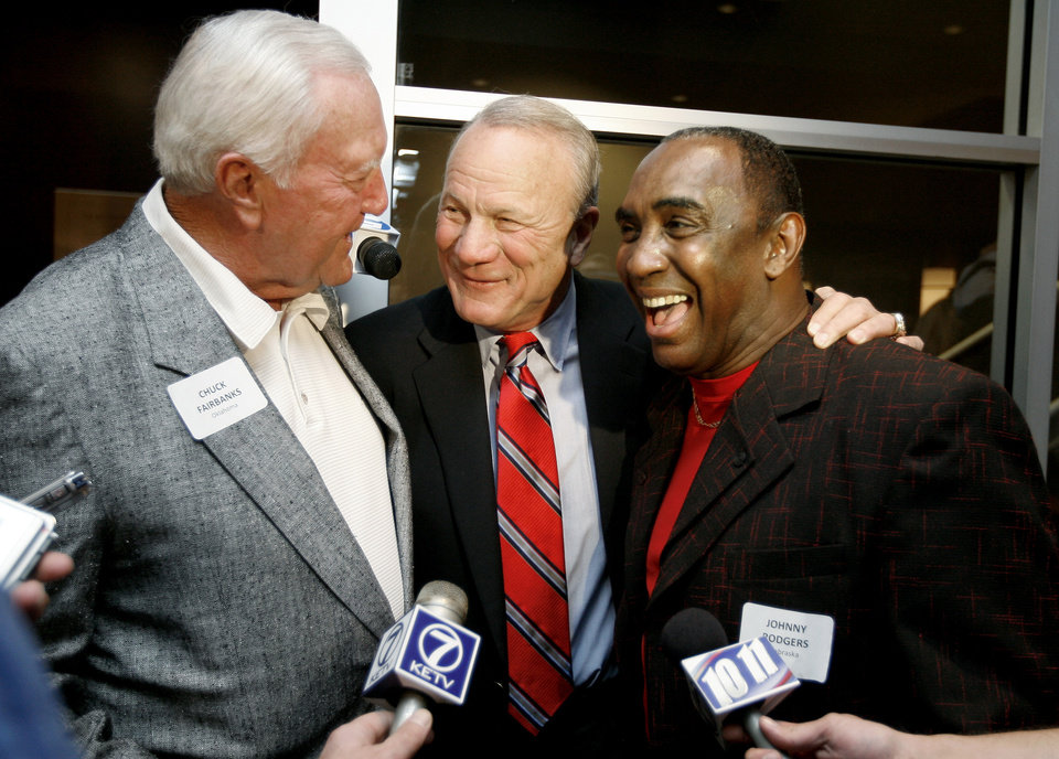 Photo - From left, Chuck Fairbanks,, Barry Switzer, of OU, and Johnny Rodgers, of Nebraska, talk in Norman, Okla., Friday, October 31, 2008, during a reunion for the 1971 Game of the Century between the University of Oklahoma and Nebraska. BY BRYAN TERRY, THE OKLAHOMAN ORG XMIT: KOD