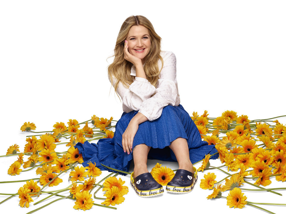 Photo - Drew Barrymore wears the Crocband Clog from her Drew Barrymore ♥ Crocs Color-Block collection .PRNewsfoto/Crocs, Inc.