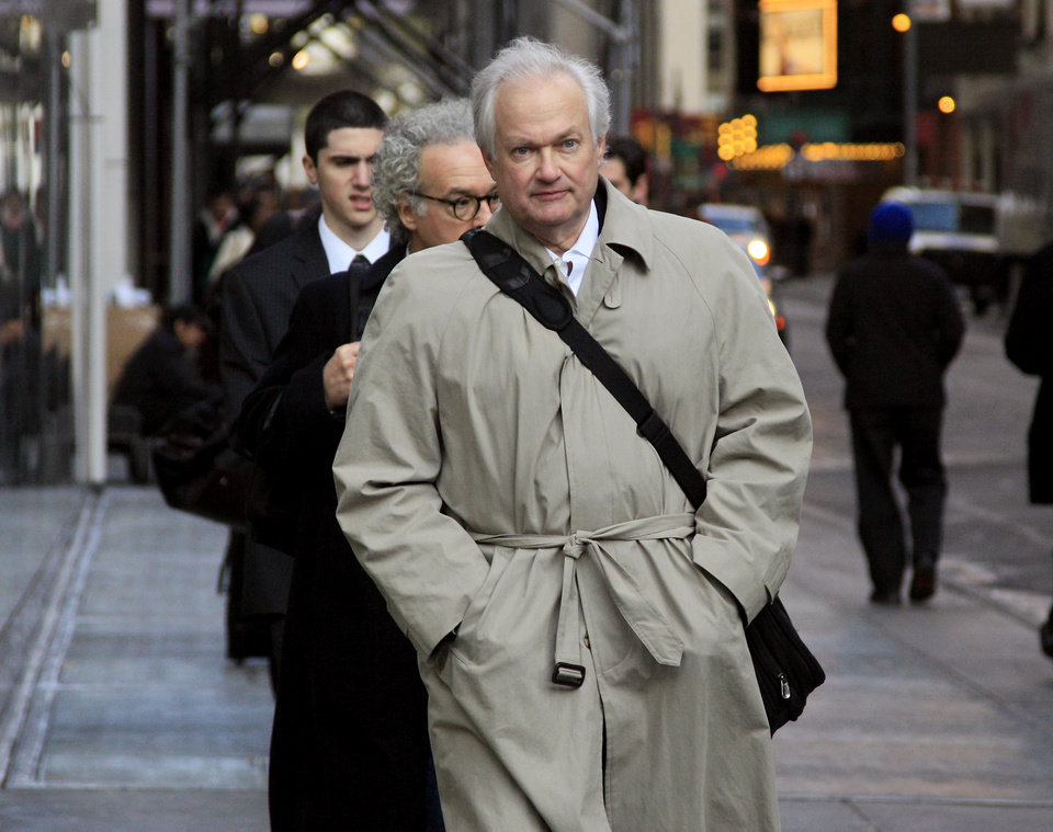 National Hockey League Players' Association executive director Donald Fehr arrives for talks with the NHL, Friday, Nov. 9, 2012, in New York. The league and the players\' association met Friday for the fourth straight day and fifth time in seven days, trying to reach an agreement to end the lockout. (AP Photo/Richard Drew)