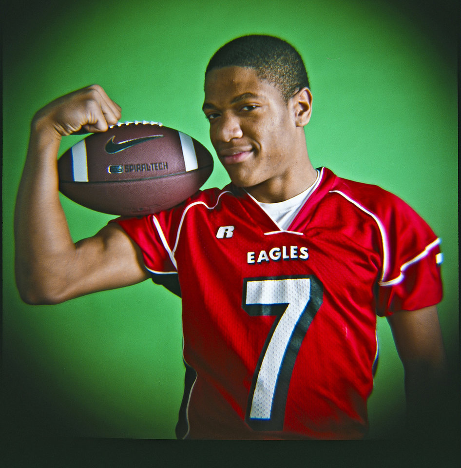 Donavan Dan of Del City High School on Monday, Dec. 14, 2009, in Oklahoma City, Okla.   Photo by Chris Landsberger, The Oklahoman