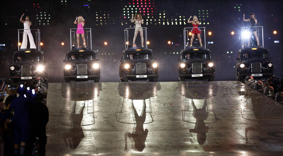 Photo -   The Spice Girls perform during the Closing Ceremony at the 2012 Summer Olympics, Sunday, Aug. 12, 2012, in London. (AP Photo/Charlie Riedel)
